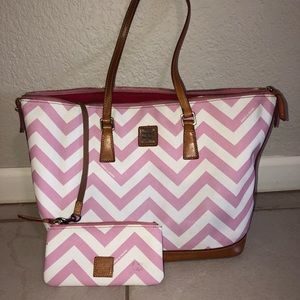adorable pink chevron dooney and bourke purse